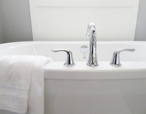 4 Reasons Something is Wrong with Your Bathtub